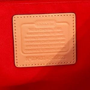 Coach Bags - Coach Signature Stripe Carryall #D1481- F30521